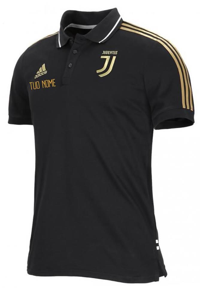 ffcd16c78 Polo 3 Stripes Nera Oro Ufficiale F.C. Juventus 2018 2019 – Maestri del  Calcio