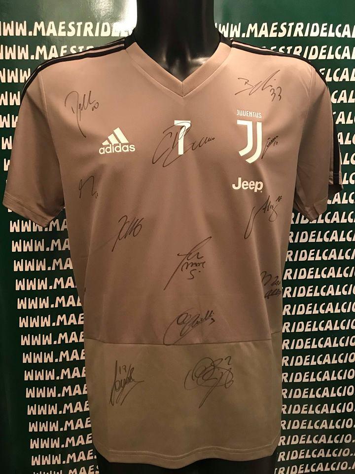 "Maglia Allenamento Beige ""Ronaldo 7"" Autografata F.C. Juventus 2018/2019"